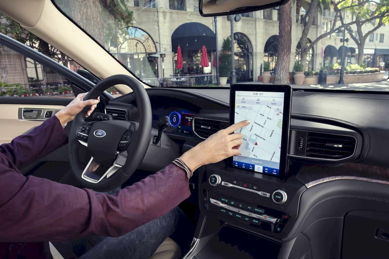 2020 Ford® Explorer SUV 3