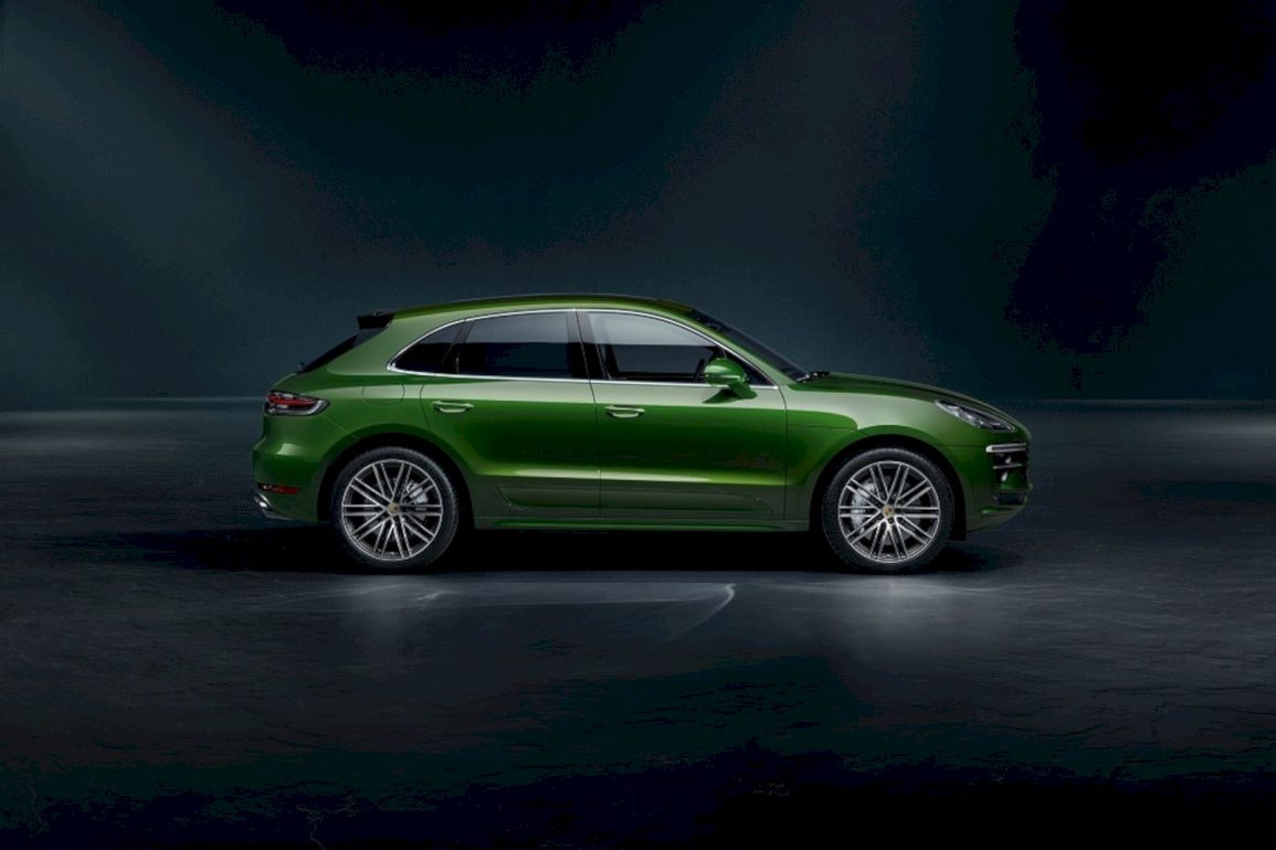 2020 Porsche Macan Turbo 4