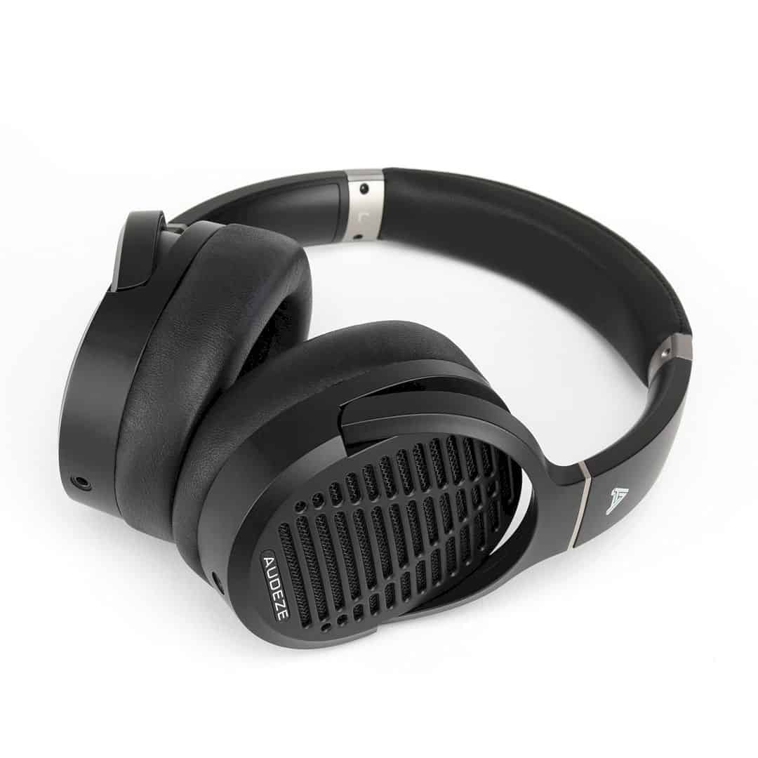 LCD 1 Headphone 4
