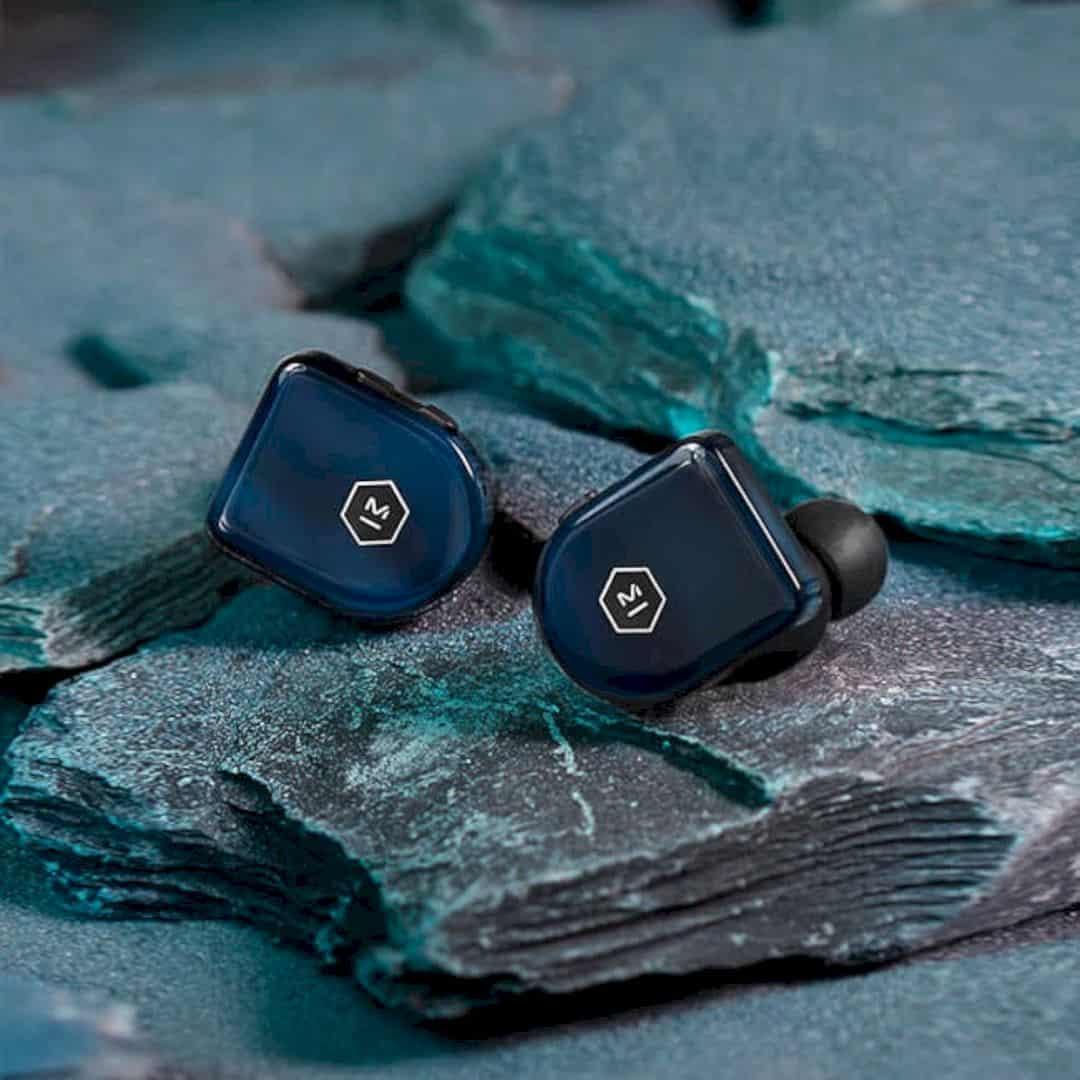 MW07 PLUS True Wireless Earphones 1