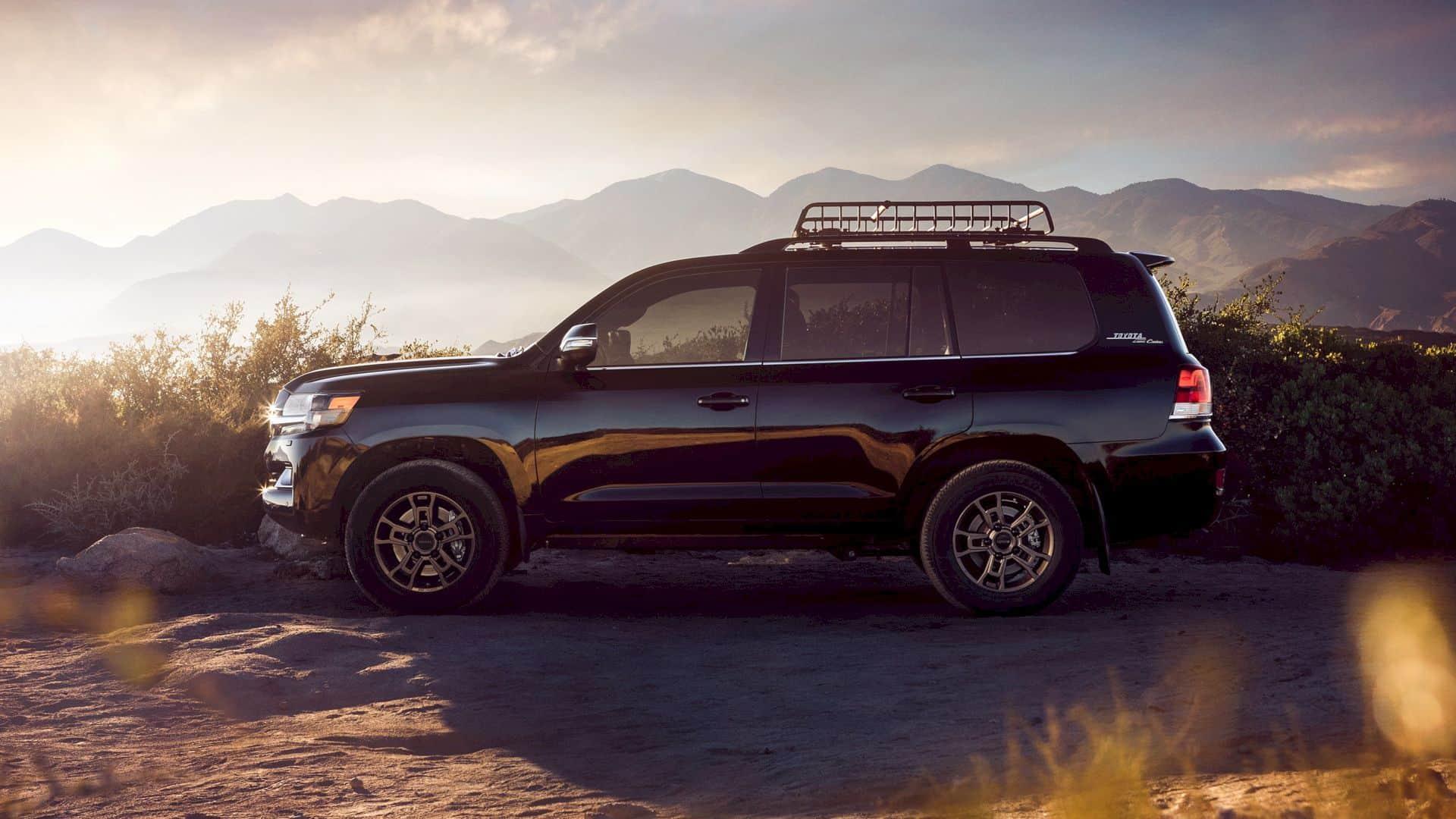 2020 Toyota Land Cruiser 7