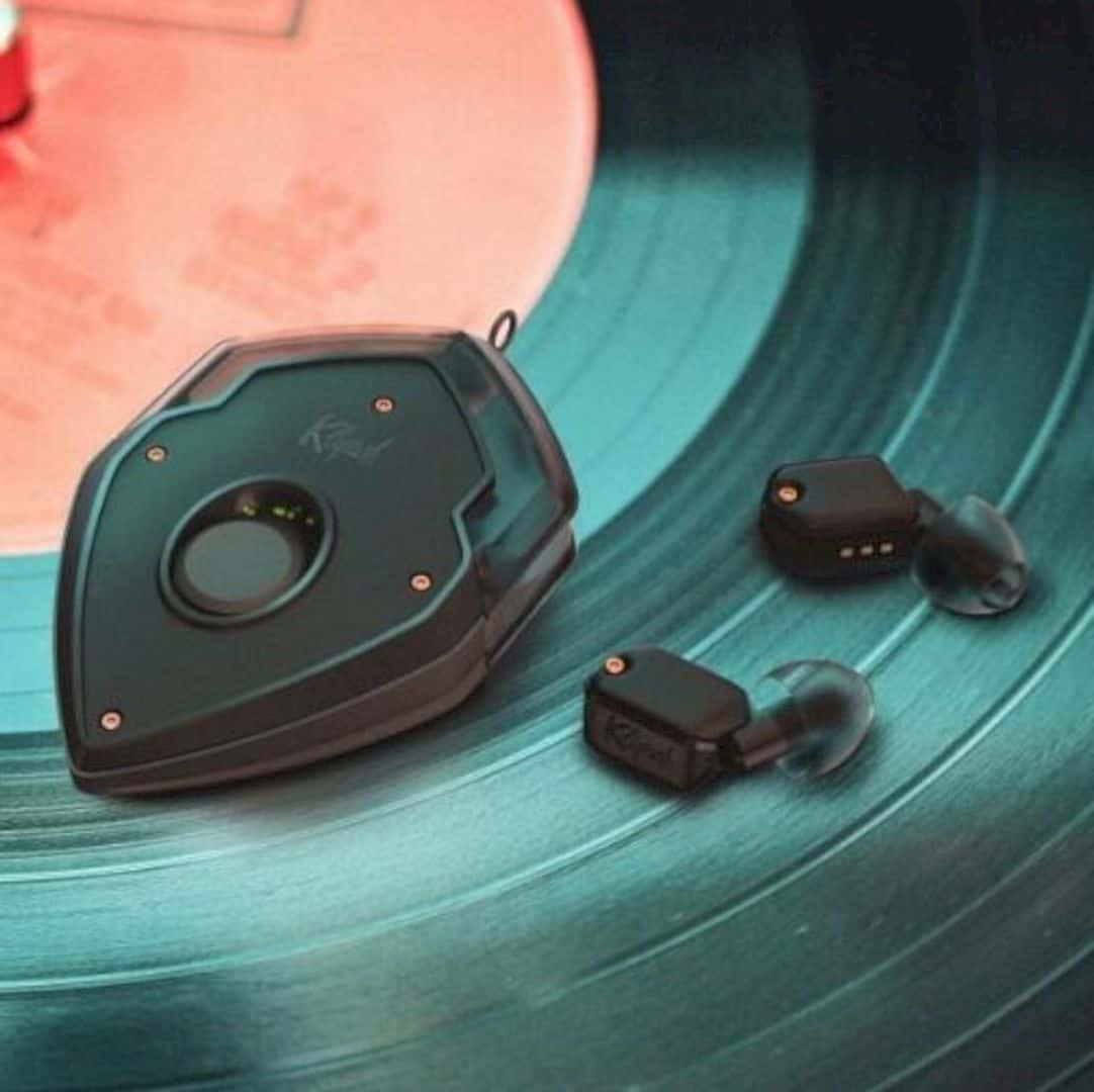 EAR Micro 1