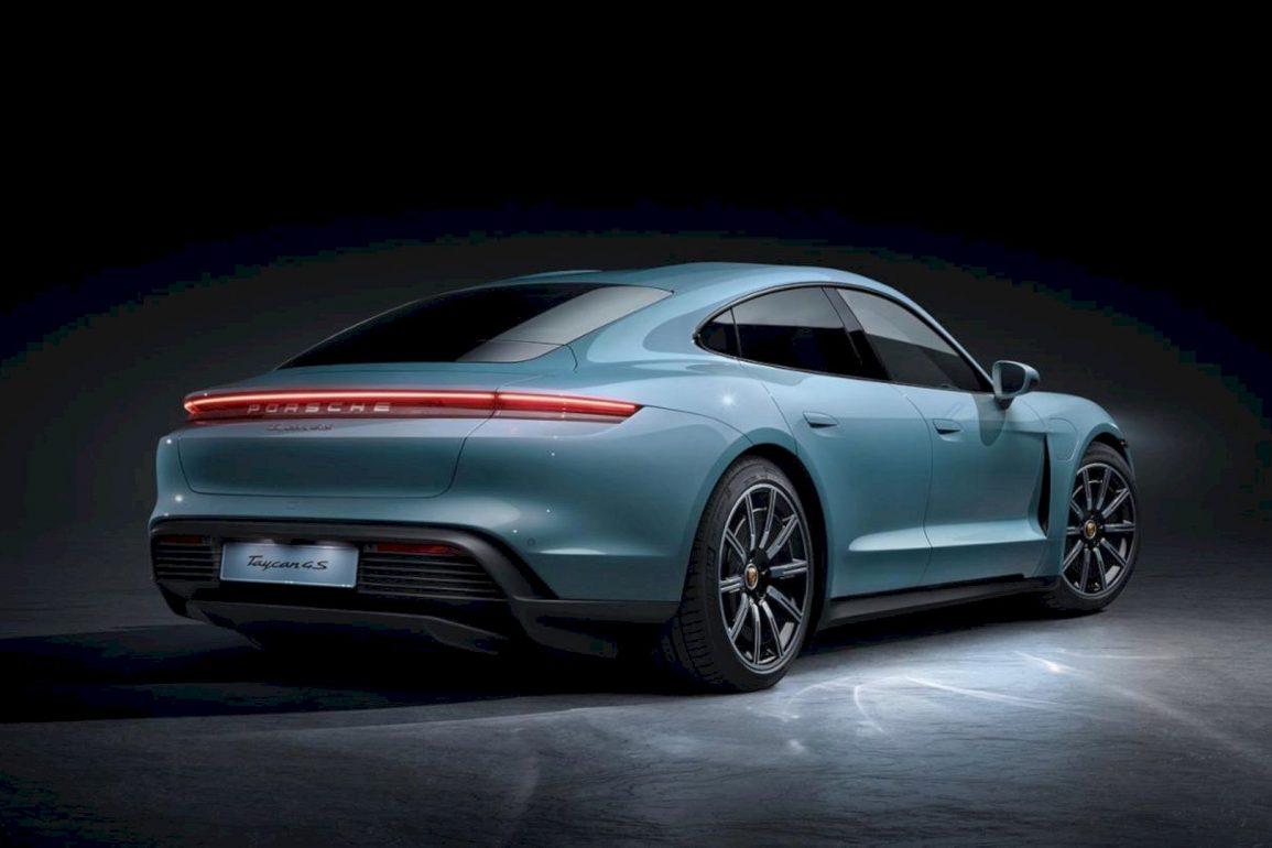 Porsche Taycan 4S 3