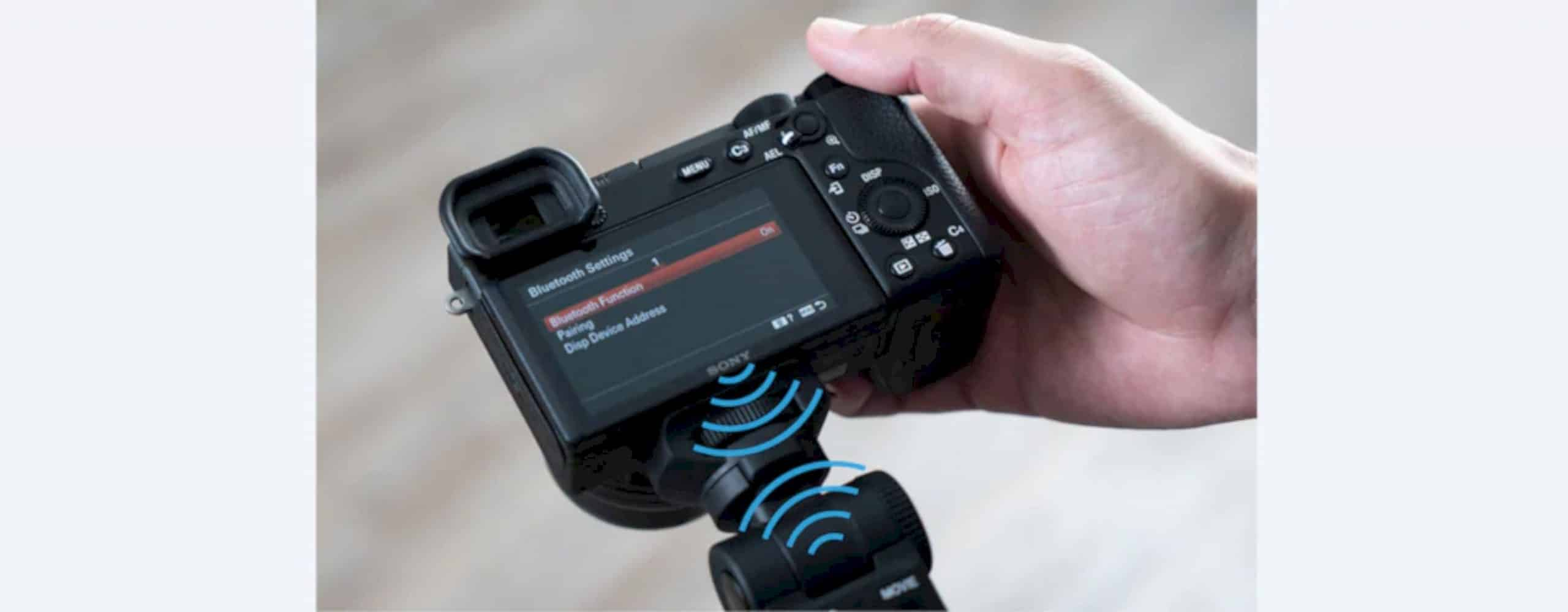 Sony GP VPT2BT Shooting Grip With Wireless Remote Commander 3