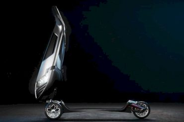 D FLY The World's First Luxury Hyperscooter 3