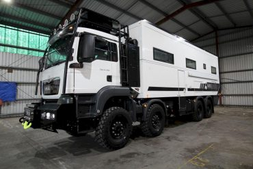 SLRV Commander 8×8 Expedition 4