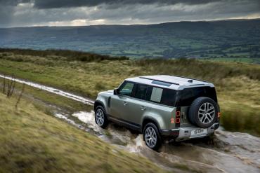 Land Rover Defender Plug In Hybrid 24
