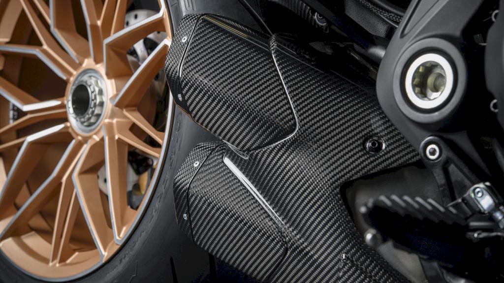 Ducati Diavel 1260 Lamborghini 7