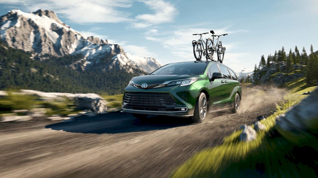 2021 Toyota Sienna 2