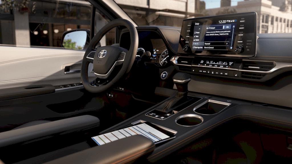 2021 Toyota Sienna 4