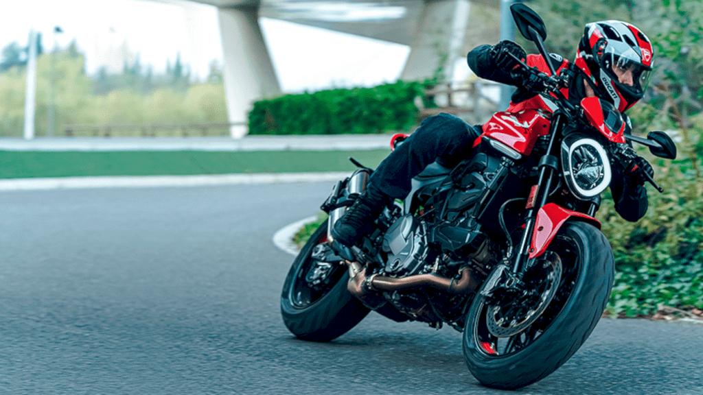Ducati New Monster 1