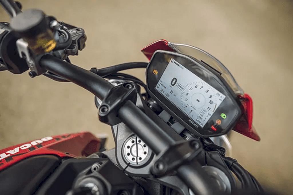 Ducati New Monster 6