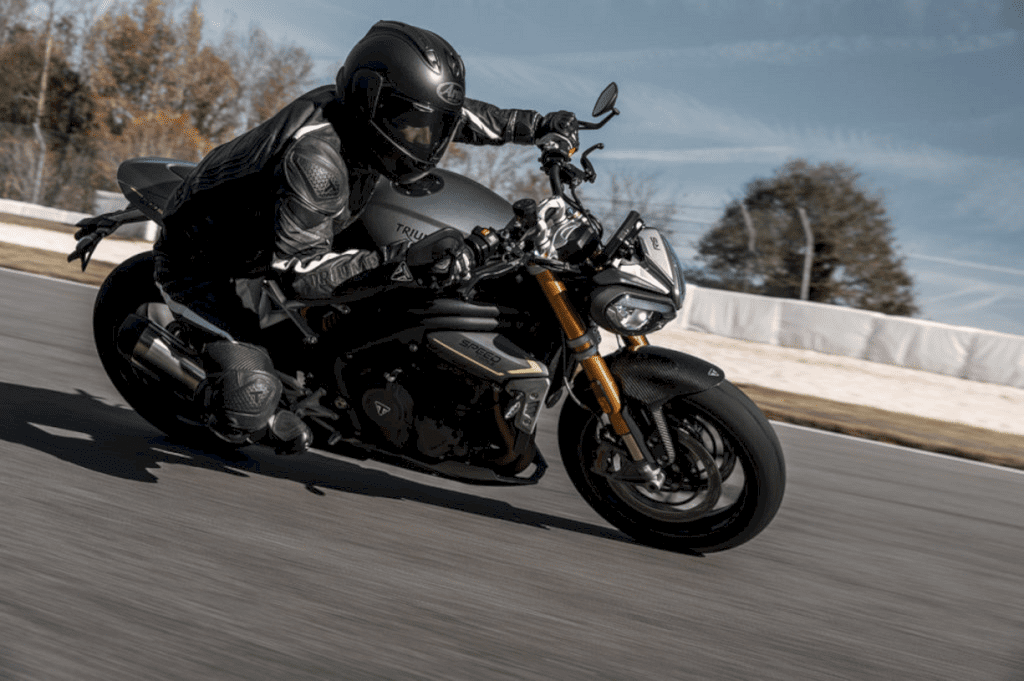 All New Triumph Speed Triple 1200 Rs 4