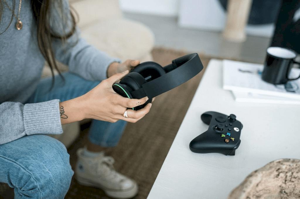 Xbox Wireless Headset 6