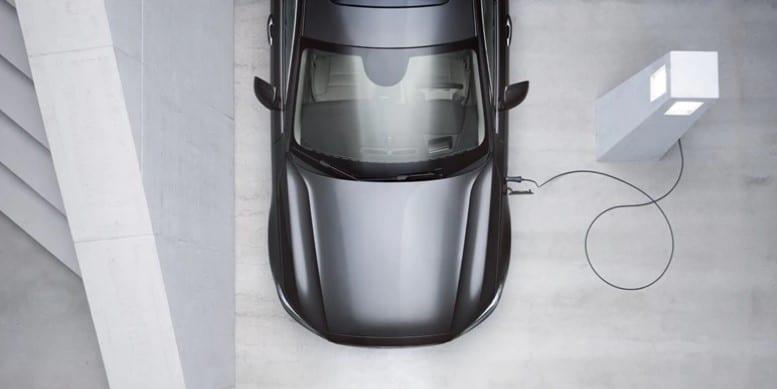 S90 Hybrid Sedan
