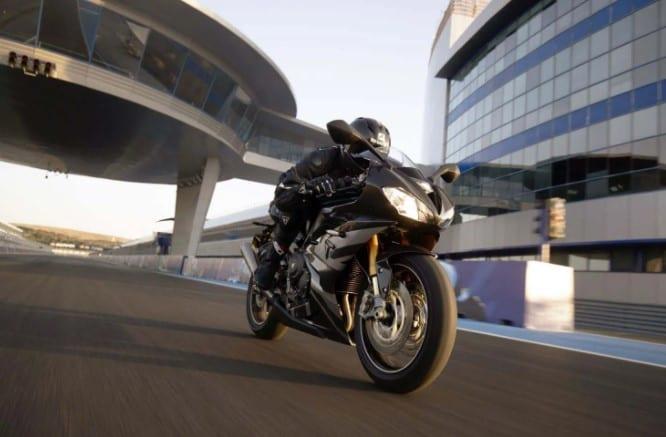 Daytona Moto2 765 4