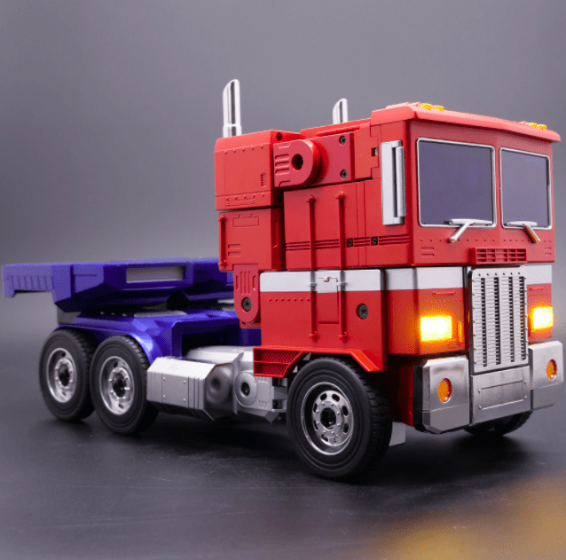 Hasbro Pulse Transformers Optimus Prime 4