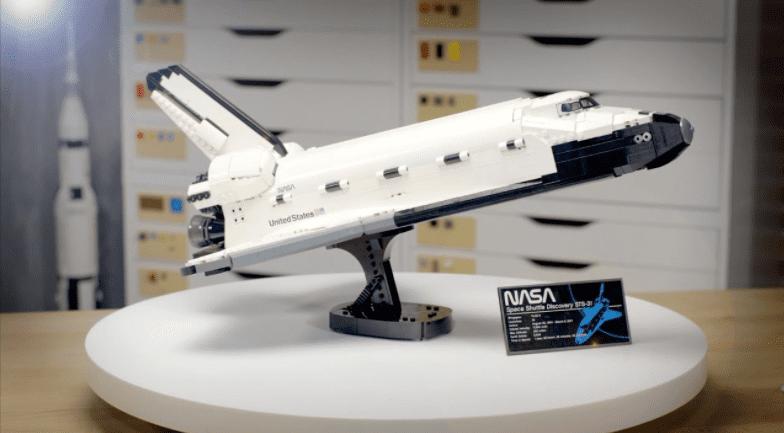 LEGO NASA Space Shuttle Discovery 2