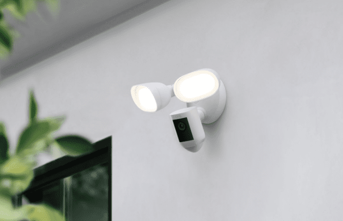 Ring Floodlight Cam Wired Pro (2)
