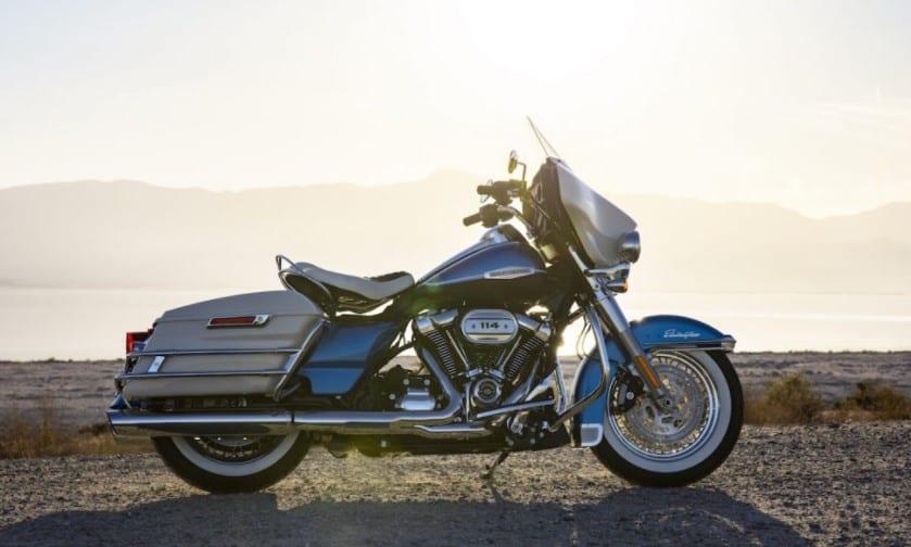 Harley Davidson Electra Glide Revival Motorcycle (2)